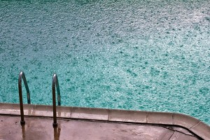 pool_rain_600x400